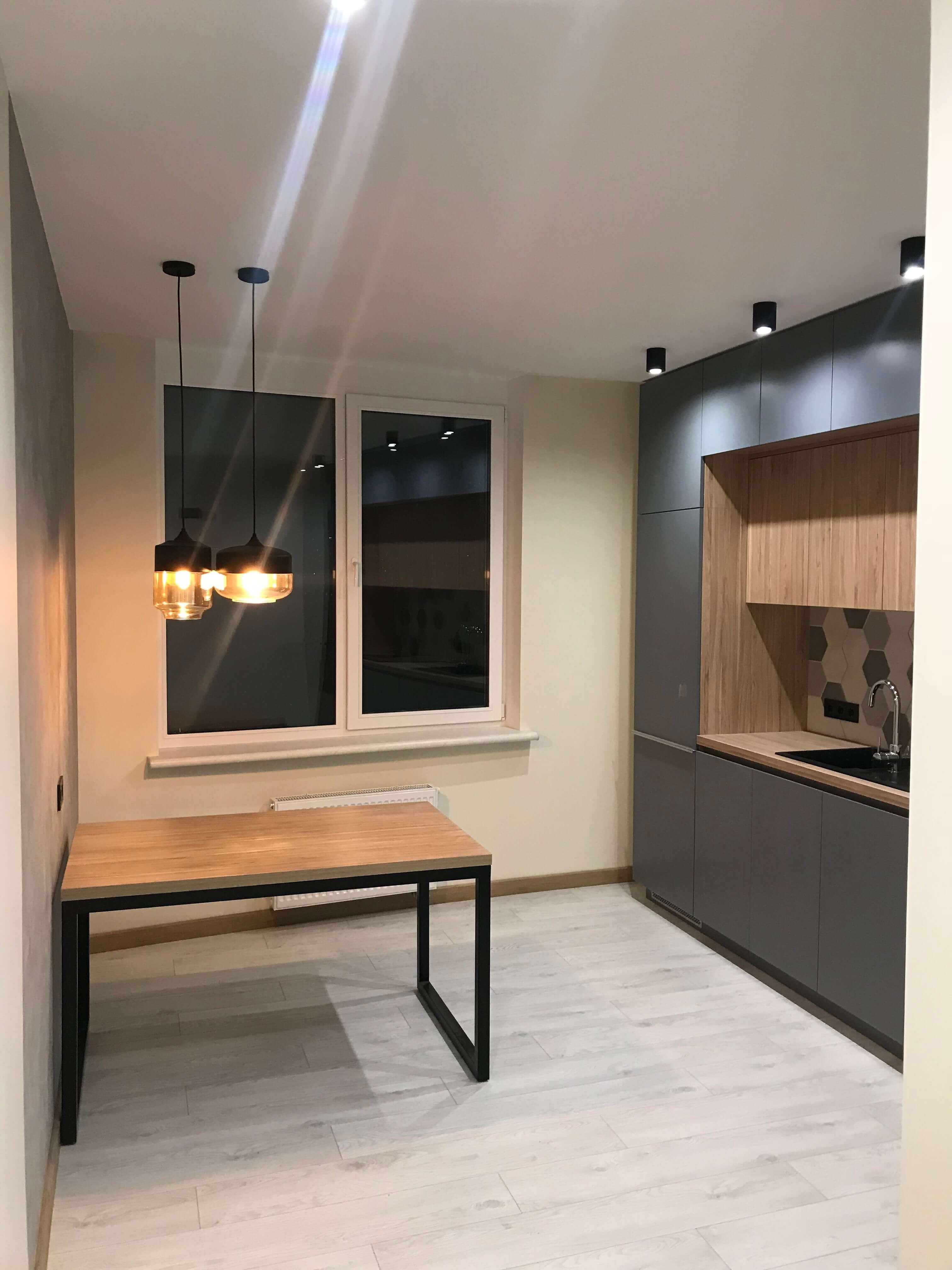 кухня и кухонный стол