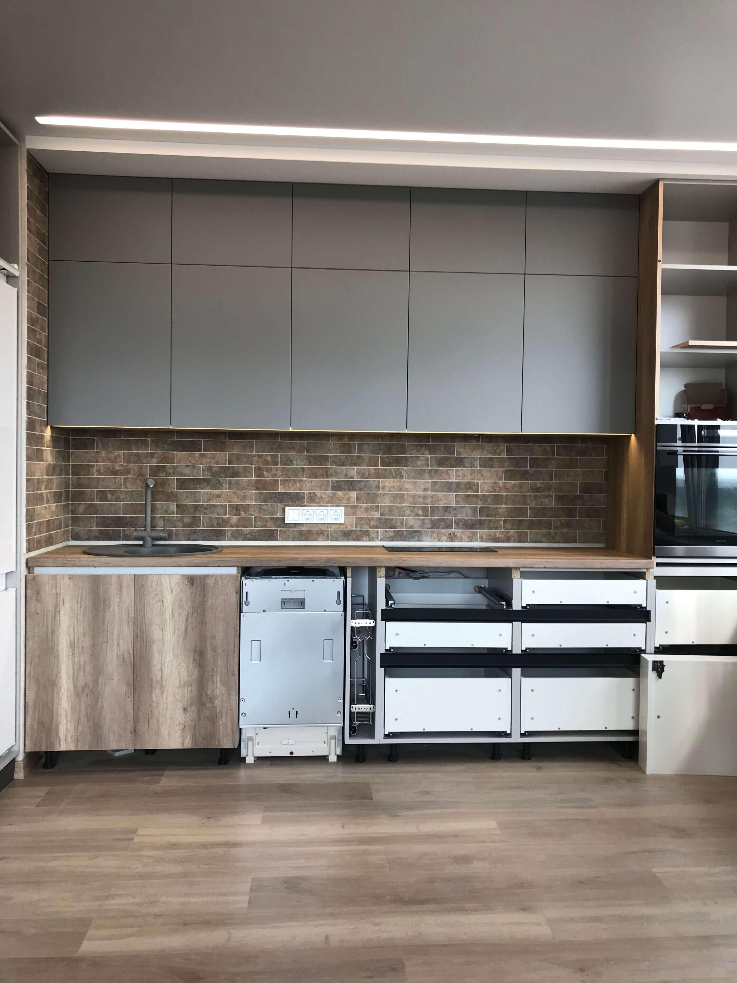 кухня после ремонта и меблирования в жк варшавский