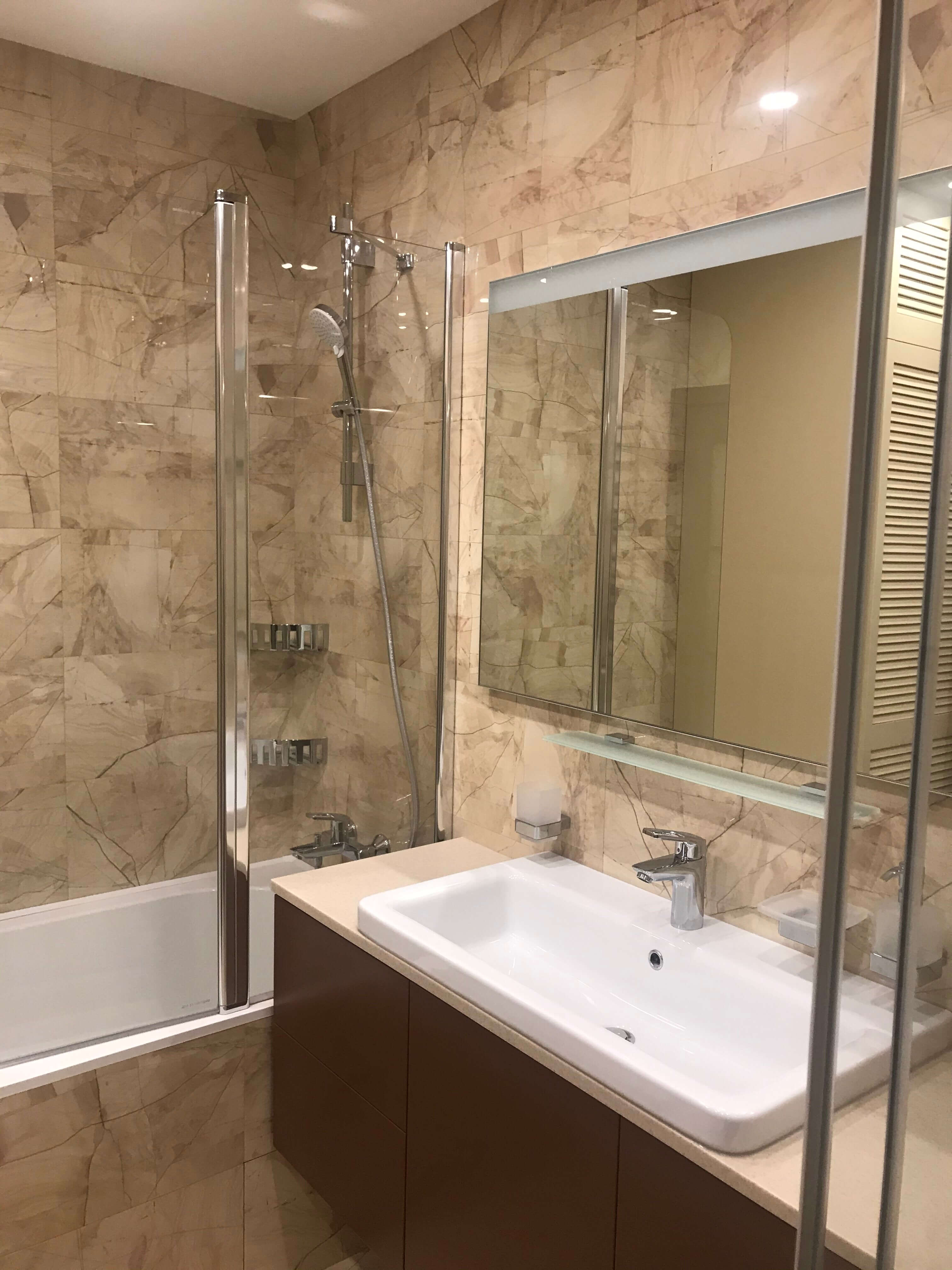 зеркало, умывальник, ванная