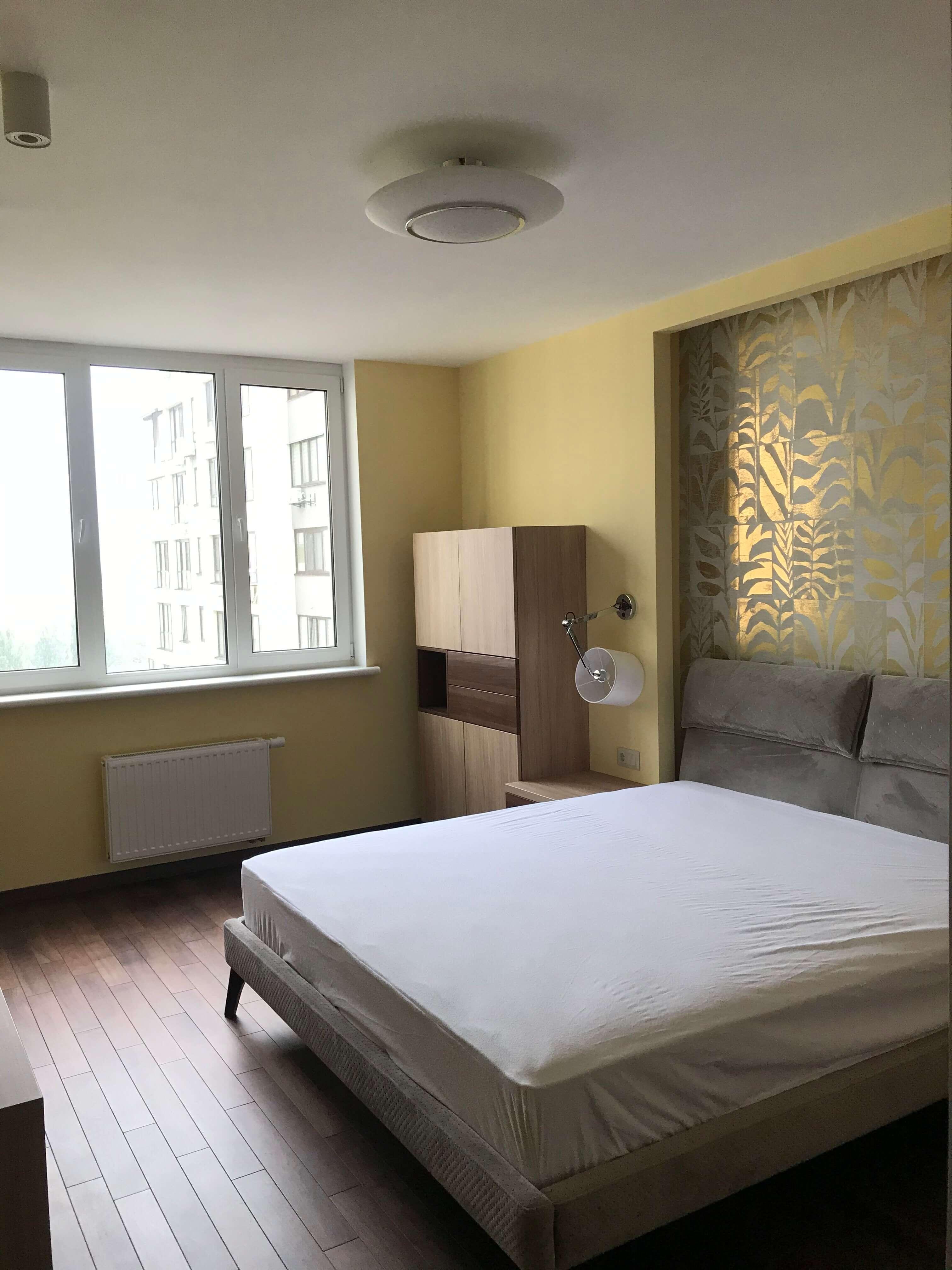спальная комната после ремонта и меблировки