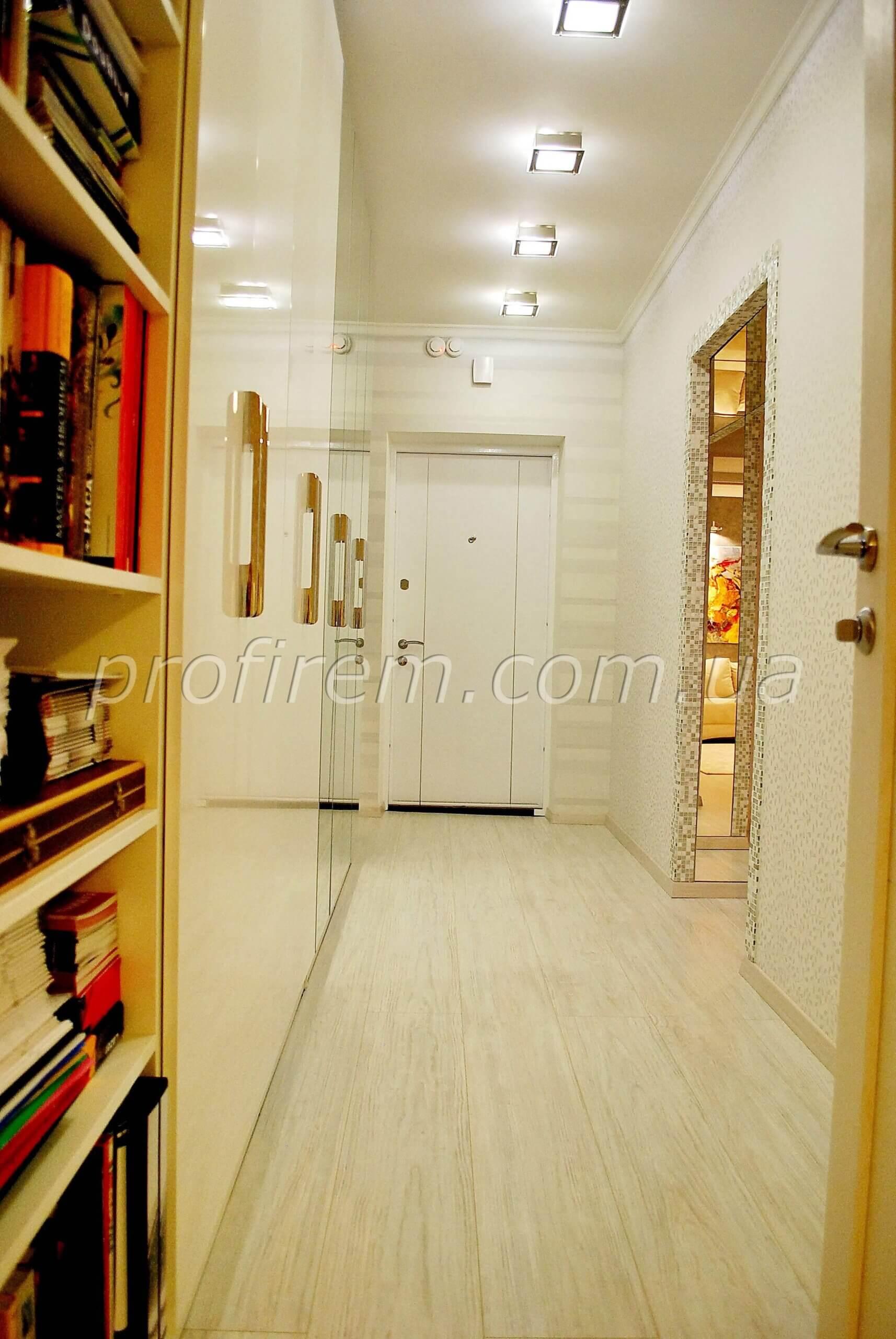 Фото коридора в квартире в Киеве
