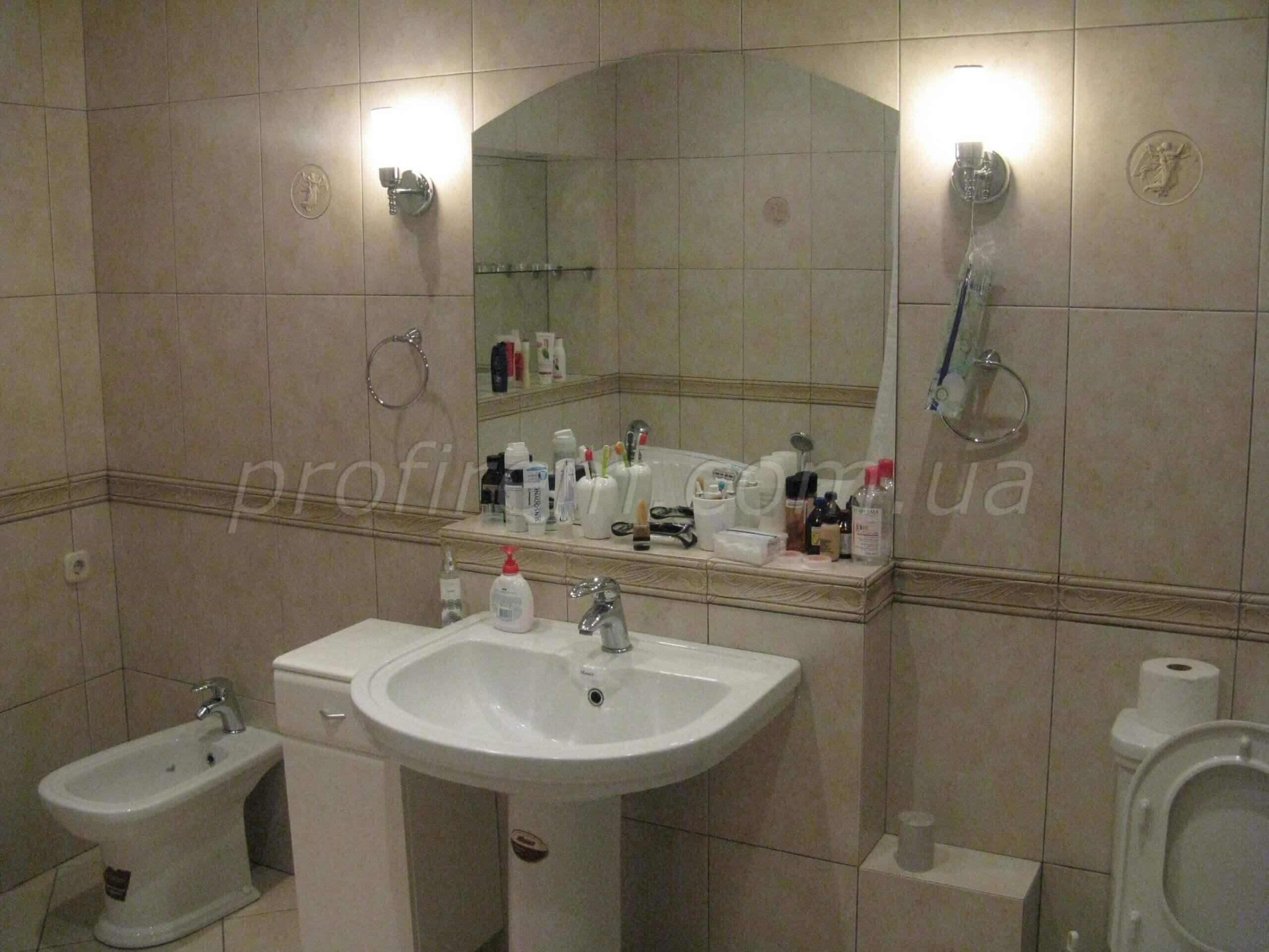 Киев - дом со свежим ремонтом в ванной