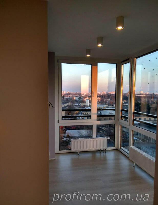 Панорамные окна в спальной