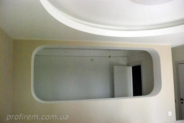 Проем внутреннего окна в ванной