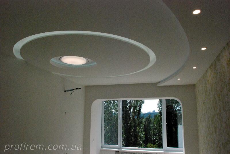 Русановка - потолок в спальной комнате
