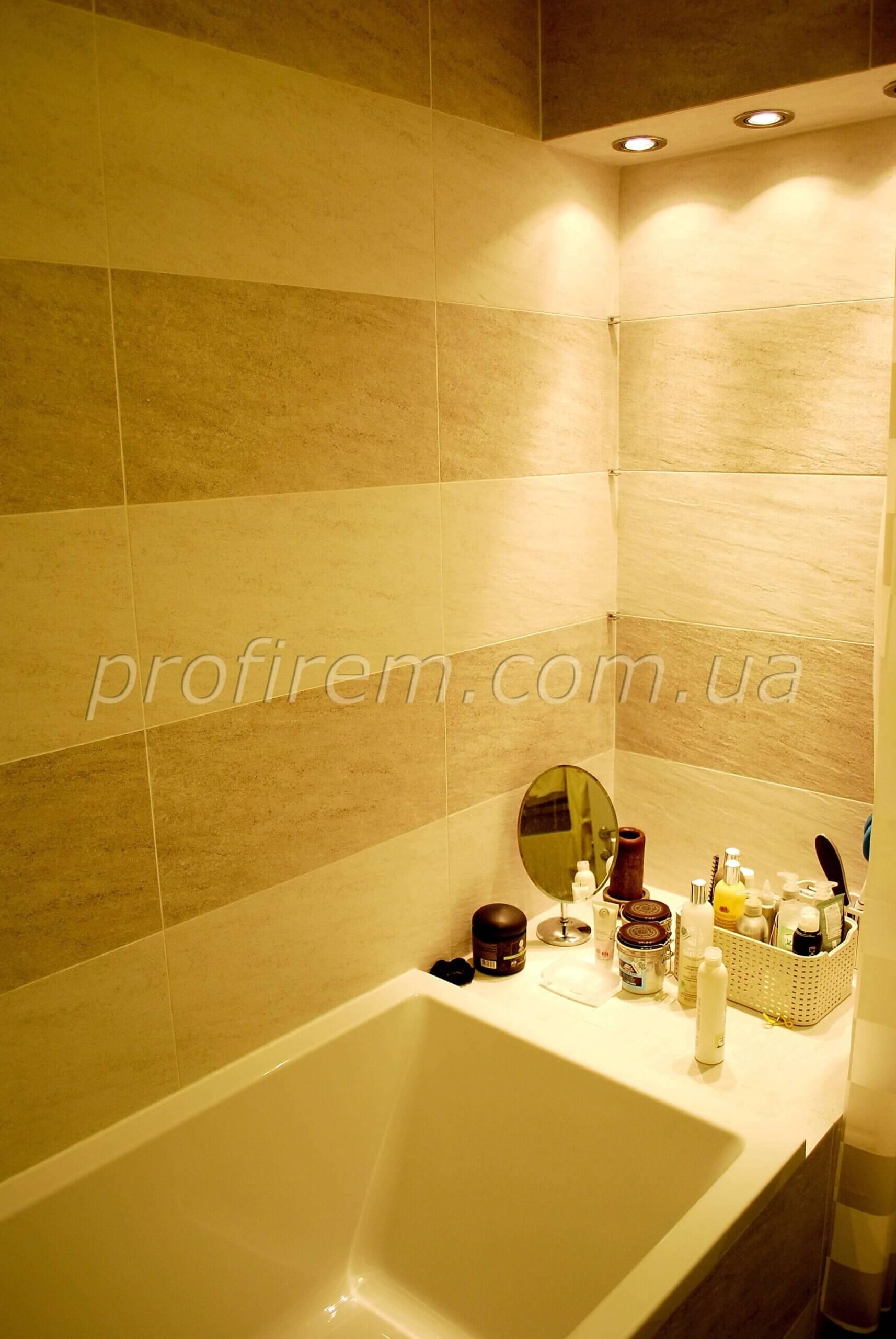 Фото полочки в ванной в Киеве