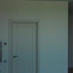 дверь ведет в душевую
